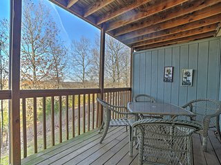 NEW! Cozy 2BR Branson West Condo w/ Community Pool