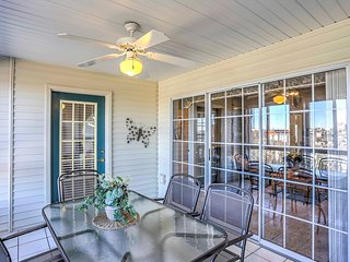 Charming Branson House w/ Sunroom & Tennis Courts!