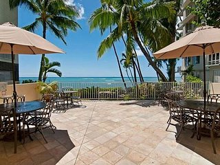 Gold Coast Oceanfront  Building - Near Waikiki! - 1 Bedroom Condo