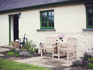 42890 Cottage in Laugharne