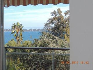 STUDIO 45 m2 VUE mer - PISCINE . proche CANNES -2 personnes, Golfe-Juan Vallauris