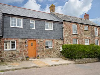 POASH Cottage in Bude