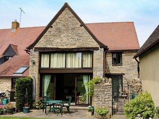 CC098 Cottage in Burford