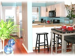 FALL DEALS! OCEAN VIEW, TOP FLOOR, SPA-LIKE PARADISE! POOL/JACUZZI. BOARDWALK.