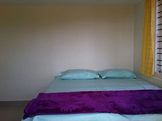 Home stay with 2 bedrooms and attached bath. Coorgi cuisine provided, Somvarpet