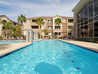 Resort style Condo in North Phoenix
