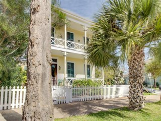 Charming, historic Texas home with modern conveniences!