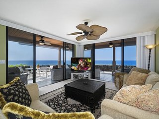 KKSR#5104 DIRECT OCEANFRONT, BEST GROUND FLOOR CORNER! REMODELED! BEST VIEW!