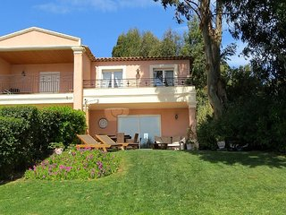 Lovely 3 bedroomed Villa with pool and sea views, Les Issambres