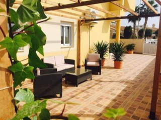 Fabulous Apartment With Wi-Fi, Air Con & Pool, Puerto de Mazarron