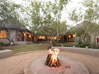 Pangolin Lodge, stunning new bush retreat in Wildlife Estate in Hoedspruit