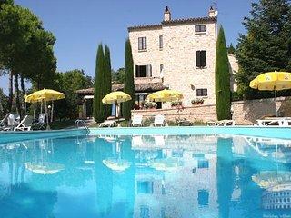 Apartment in Le Marche : Macerata Area Casa Tiziano - Quadri, Monte Rinaldo