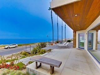 VILLA SUNSET MODERN - SPECTACULAR OCEANFRONT HOME