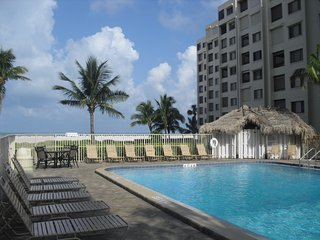 Spacious, True Beach Front Condo, a few steps to the sand, on Fort Myers Beach