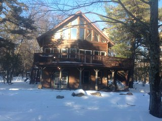 Exquisite Luxurious, Mt. Chalet- Sleeps 16,  Hot Tub Xmas spec rate