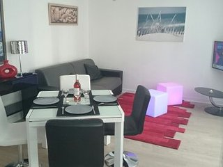 appartement  T2 moderne, parking , wifi  , vélo