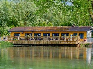 Mobilhome tout confort 2 / 3 chambres avec terrasse / salon de jardin / barbecue