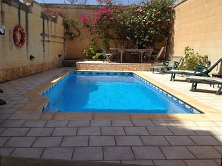 Razzett San Blas - Gozo farmhouse with sea views, Nadur