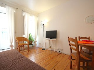 Violet Mustard apartment in Bairro Alto with WiFi., Lisbonne