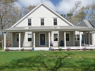 Brewster House - 3 bedrooms, 2 1/2 baths, Sleeps 6 centrally located