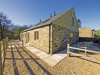 PK744 Cottage in Eyam