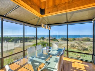 Mid-century home w/ ocean views, deck & hot tub - walk to beaches & shared pool!