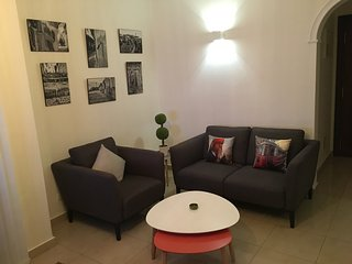 Twins Center-Racine. Chic appartement. WIFI-PARKING-TERRASSE, Casablanca