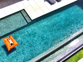 Designer Villa + Luxury Car, Kuta