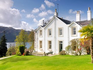 41958 House in Dunoon, Colintraive