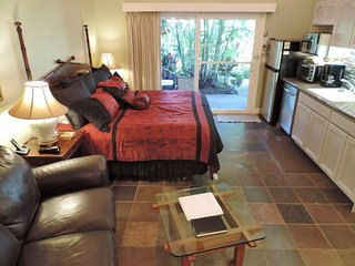 A/C+king bed+jacuzzi tub+kitchen+HDTV-Walk 2 Beach, Koloa