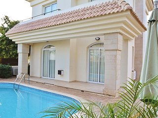 Suzy 2 bedroom villa