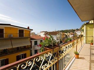 Casa vacanze  ' L'ORCHIDEA' SAPRI MARE BLU  ' OFFERTA  SETTEMBRE.- OTTOBRE