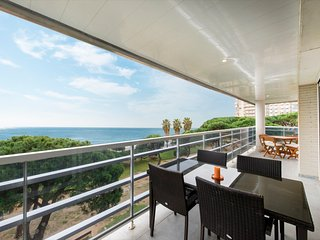 Ref. 186 - beautiful beachfront apartment - HUTG-25887, Blanes