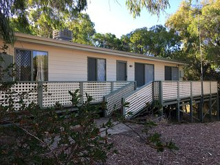 Tuart Cottage ~ Preston Beach WA ~ Airconditioned