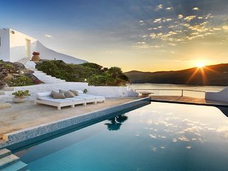 Luxurious Villa Ftelia  (5 Bedrooms) Private pool  2 min from Ftelia Beach