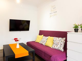2Bed, at Brick Lane & Liverpool Street area, up 8 guest, perfect for family