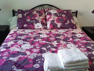 Solenzara Apartment 4 people wifi, air con, fully furnish 5 night stay minimum