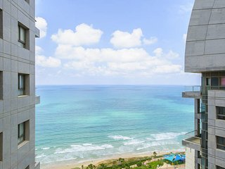 Luxurious Kosher sea view apartment with pool and gym in Sea Opera, Netanya