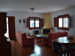 Cosy house with terrace, La Herradura