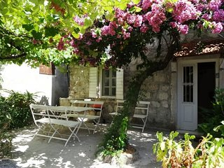 The Old Vine House Perast
