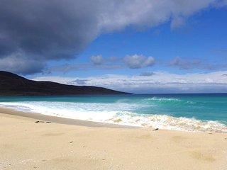 SeaView House, Isle of Harris, 5 star awarded luxe, Sauna/ Jacuzzi/Sea/Beaches