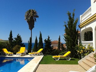 Excellent villa,sea views,beach at 120m,2019 calendar will be open on dec. 2018