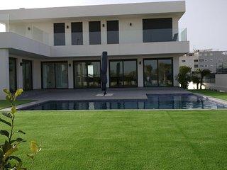Nieuwe woning met zwembad