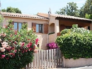 Beautiful Villa, 10 Minute Walk To Beaches & Town Centre