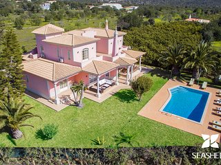 Quinta das Laranjeiras - Private Non-Overlooked 4-Bedroom Villa