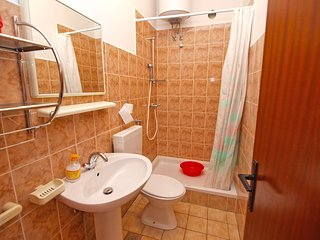 Apartment 11900