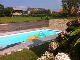 longère bretonne, piscine chauffée