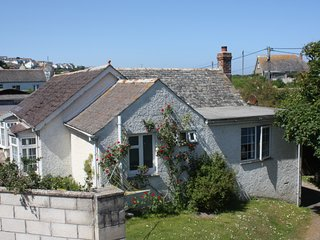 Comfortable Holiday Cottage In The Heart Of Polzeath