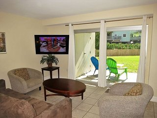 Perfect ground level unit for families on a budget..with 1.5 baths..