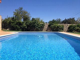 3 bedr House 5 min to Vale Garrao swimmingpool Ir